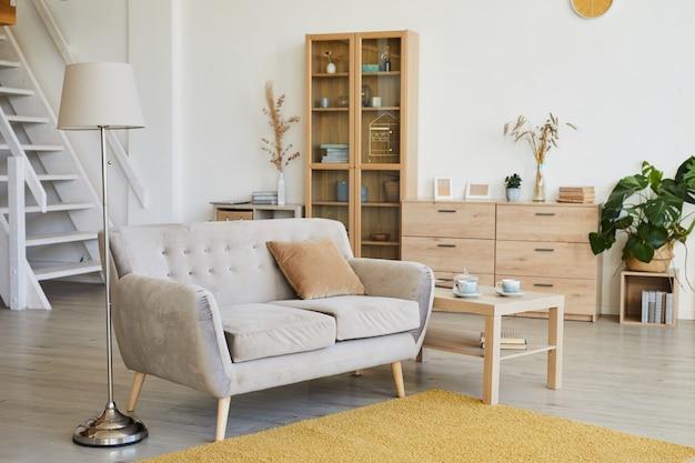 Obraz domowego salonu z nowoczesnymi meblami