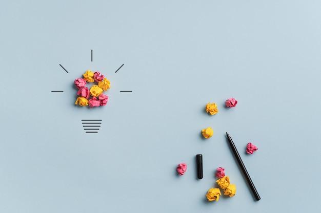 Obraz koncepcyjny burzy mózgów, innowacji i kreatywności