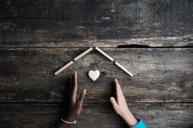 Obraz koncepcyjny równości i adopcji