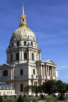 Obraz wysokiej rozdzielczości szpitala les invalides i kościoła w paryżu