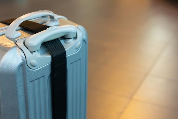Obrazek opakowania walizki dla treści podróżniczych.