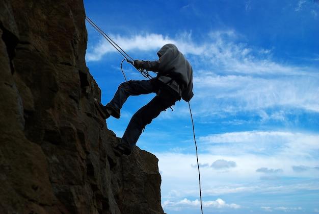Obrazy wspinaczki na górę