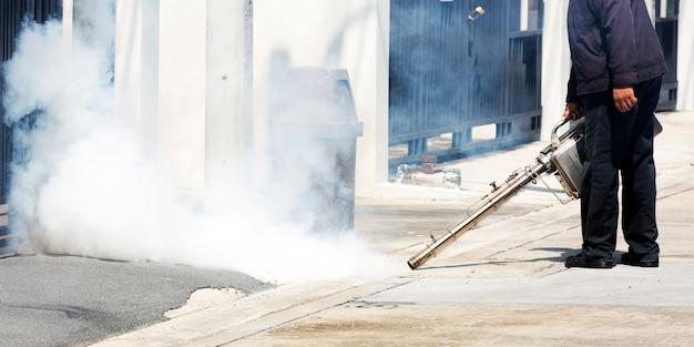 Obsługuje działanie z dymną maszyną w właz dla kontroli szkodników