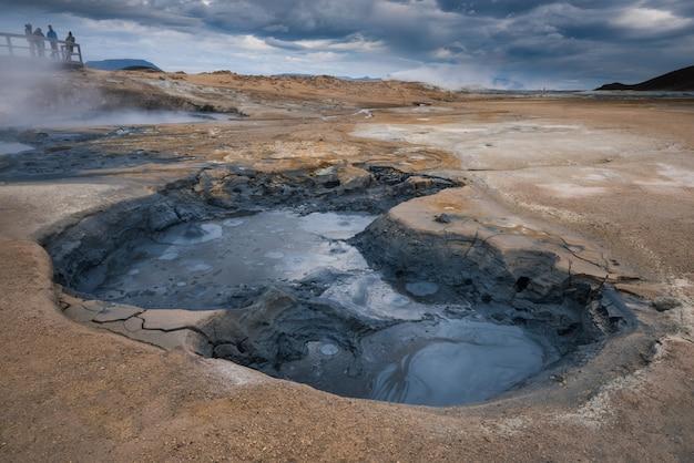 Obszar geotermalny hverir w myvatn islandia