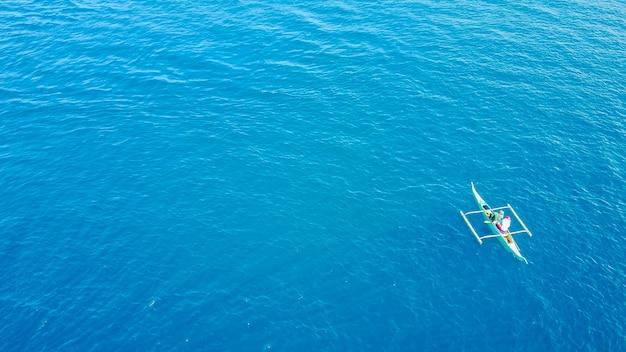 Ocean zachód słońca styl życia sport wodny