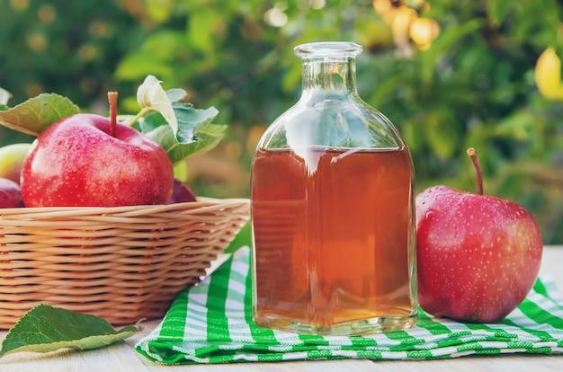 Ocet jabłkowy cydr w butelce