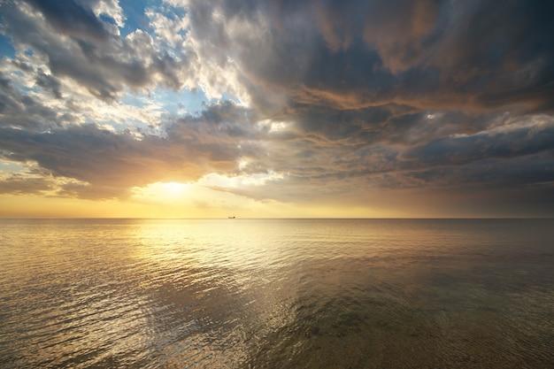 Odbicie nieba i wody