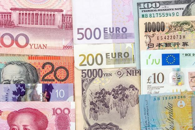 Odbiór pieniędzy z różnych krajów w pobliżu