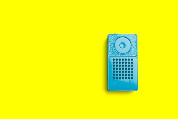 Odbiornik radiowy na kolor tła