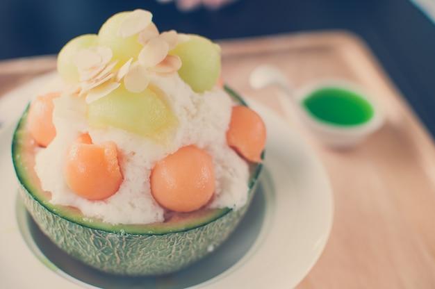 Odcień vintage - lód melona bingsu, słynne koreańskie lody.