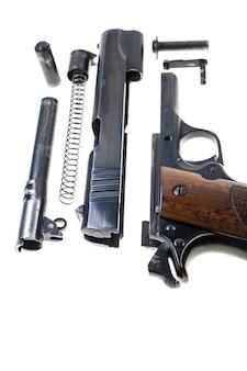 Oddzielne części pistoletu kal. 11 mm.