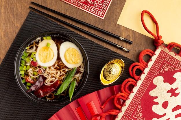 Odgórnego widoku nowego roku chiński naczynie