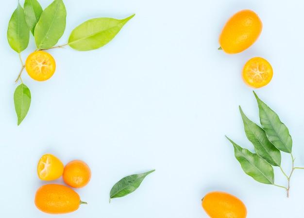 Odgórnego widoku organicznie czereśniowi pomidory z kopii przestrzenią
