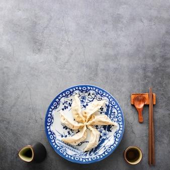 Odgórny widok chińskie odparowane babeczki