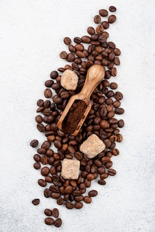Odgórny widok kawowy pojęcie z kopii przestrzenią