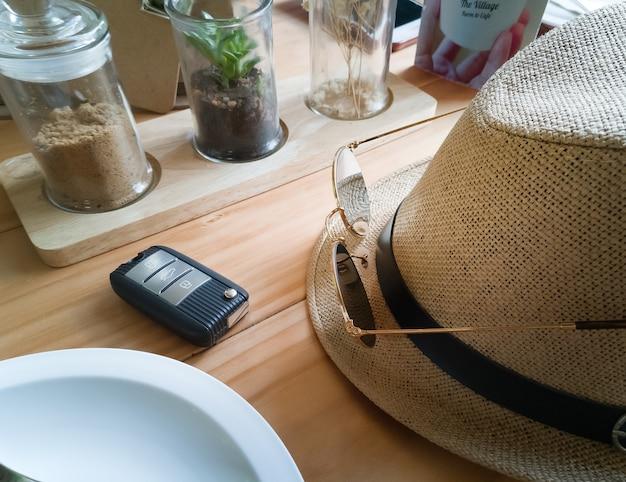 Odgórny widok, płaski nieatutowy drewno stołu wizerunek dla tła