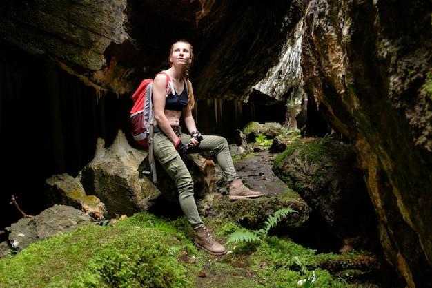 Odkryj starożytną jaskinię fortecą