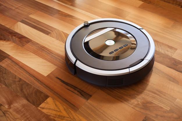 Odkurzacz automatyczny w inteligentnej technologii czyszczenia podłóg laminowanych