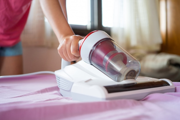 Odkurzacze i bakteriobójcze roztocza przy użyciu światła uv do czyszczenia
