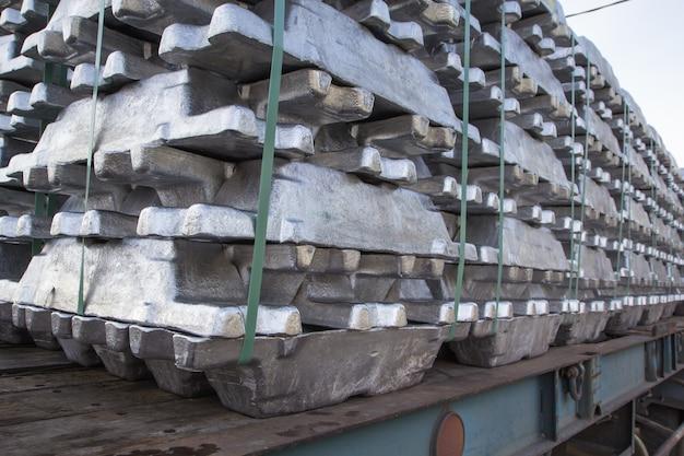 Odlew aluminiowy w transporcie ciężarowym truck