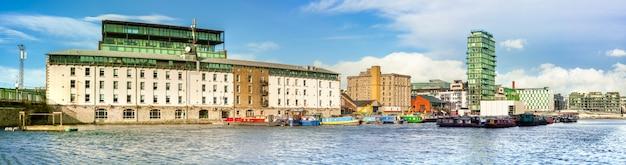 Odnowiona część dublin docklands lub silicon docks
