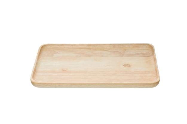 Odrzucenie koncepcji plastycznej. pusty talerz drewniany na białym tle
