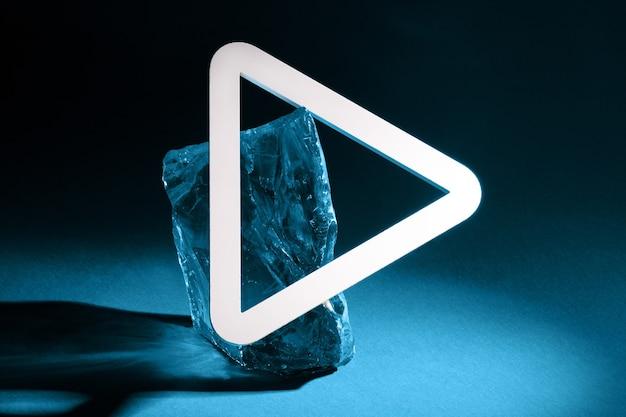 Odtwórz Znak Na Ciemnoniebieskim Tle, Technologia Odtwarzania Multimediów Premium Zdjęcia