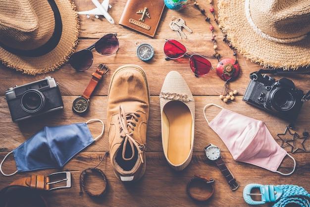 Odzież i akcesoria dla kobiet i mężczyzn gotowe na nową normalną podróż – styl życia