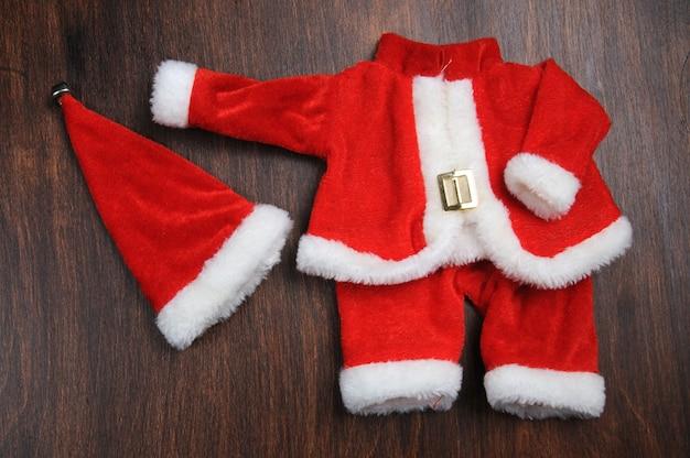 Odzież i czapka świętego mikołaja, święta bożego narodzenia