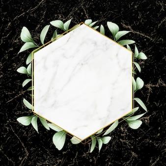 Odznaka w oprawie z liści