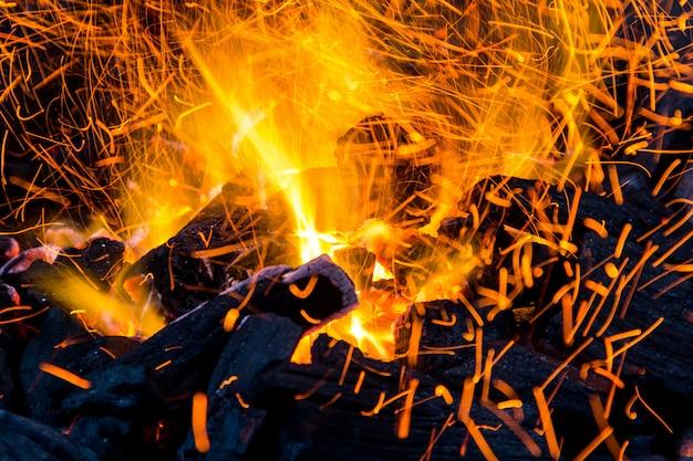 Ogień - węgiel