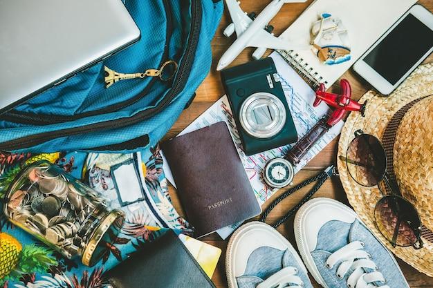 Ogólny widok akcesoriów i przedmiotów hipster traveller