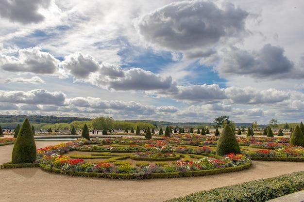 Ogrody pałacu wersalskiego we francji