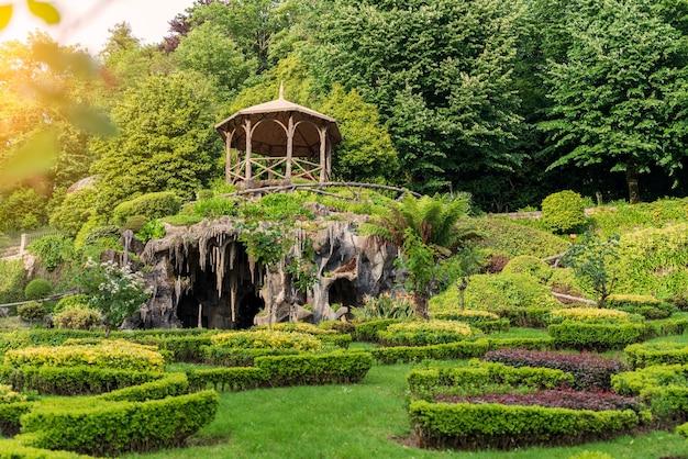 Ogrody sanktuarium bom jesus do monte w bradze, portugalia - światowe dziedzictwo