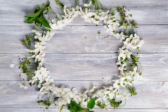 Okrągła rama z kwiatami