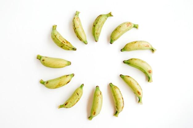 Okrągła rama wykonana z bananów