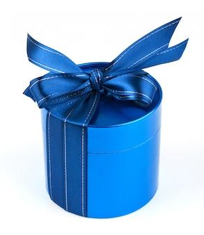 Okrągłe niebieskie pudełko upominkowe