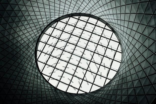 Okrągły szklany dach