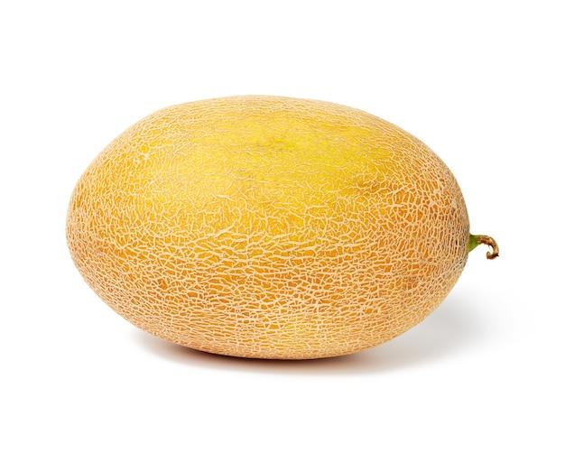 Okrągły żółty dojrzały melon na białym tle