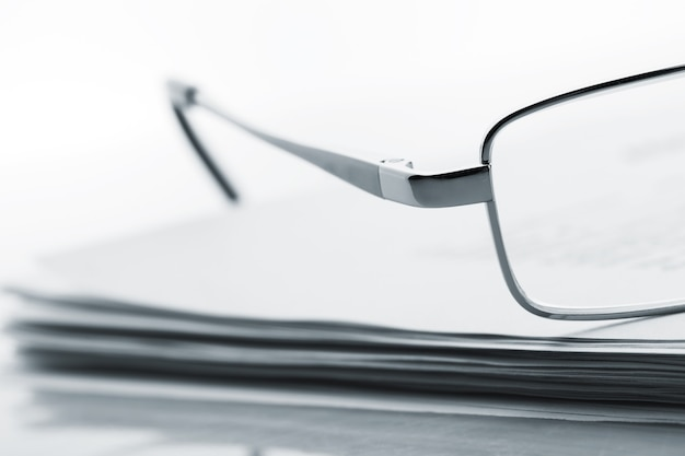 Okulary na gazecie