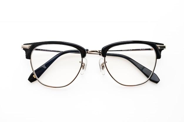 Okulary noszą