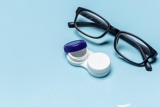 Okulary, soczewki kontaktowe, koncepcja widzenia