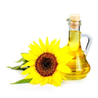Olej z nasion słonecznika na białym tle