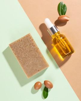 Olejek arganowy w asortymencie butelek z zakraplaczem