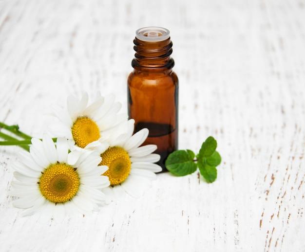 Olejek do masażu i rumianek