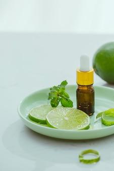 Olejek o aromacie pomarańczowym do aromaterapii