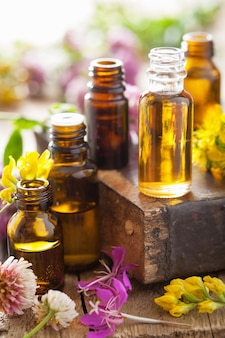 Olejki eteryczne i zioła lecznicze z kwiatów