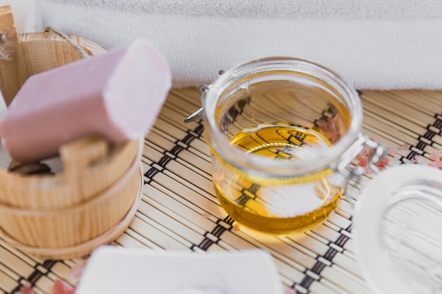 Olejki eteryczne w pobliżu mydła