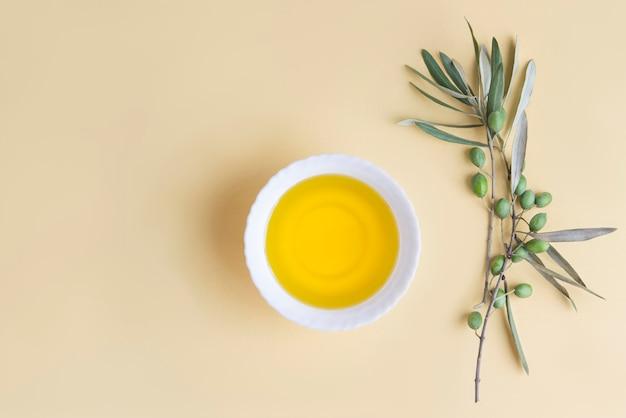 Oliwa z oliwek z pierwszego tłoczenia