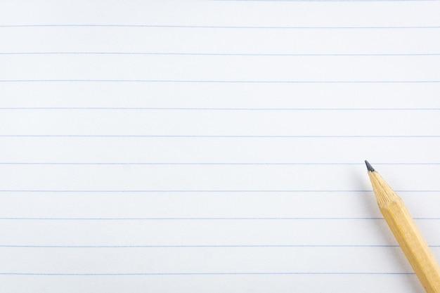 Ołówek na papierze